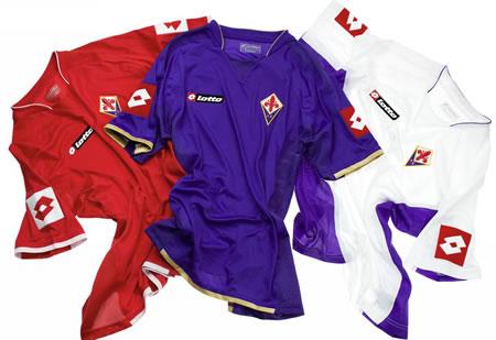 07-08赛季佛罗伦萨主客场球衣