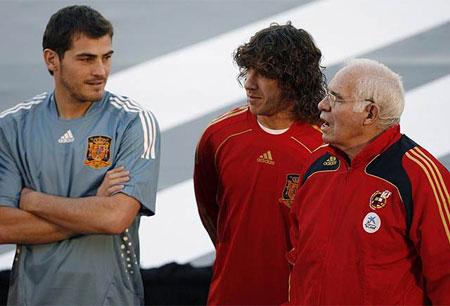 08-09赛季西班牙主场球衣