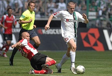 门兴格拉德巴赫08-09赛季主场球衣