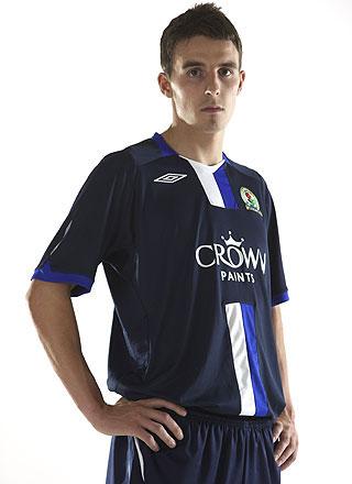 布莱克本08-09赛季客场球衣