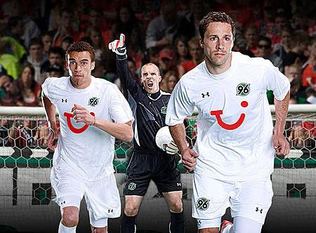 08-09赛季汉诺威96客场球衣