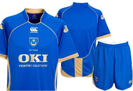 朴茨茅斯08-09赛季主场球衣