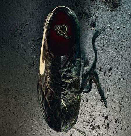 罗纳尔迪尼奥Dois战靴