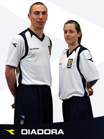 苏格兰国家队09-11赛季客场球衣
