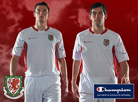 威尔士国家队09-10赛季客场球衣