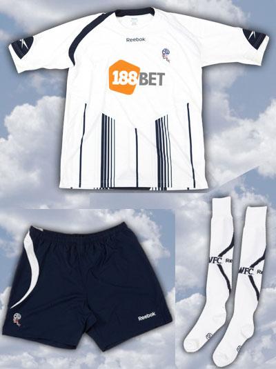 博尔顿09-10赛季主场球衣