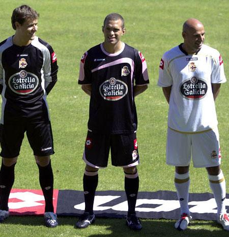 拉科鲁尼亚09-10赛季主客场球衣