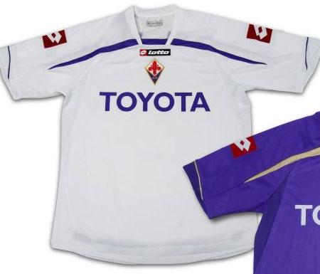 佛罗伦萨09-10赛季主客场球衣