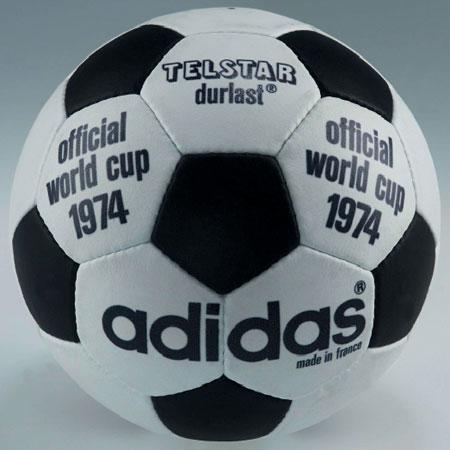 细数历届世界杯比赛用球 © kitstown.com 球衫堂