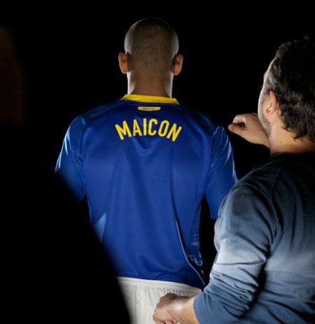 巴西国家队2010世界杯新款客场球衣 © kitstown.com 球衫堂