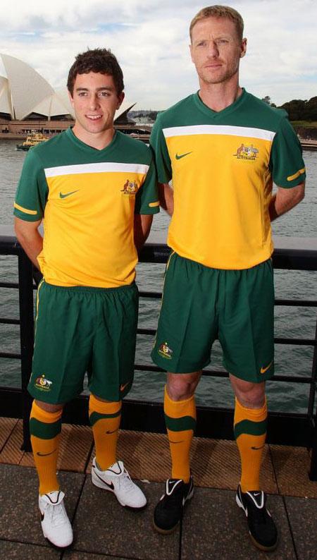 澳大利亚国家队2010世界杯主场球衣 © kitstown.com 球衫堂