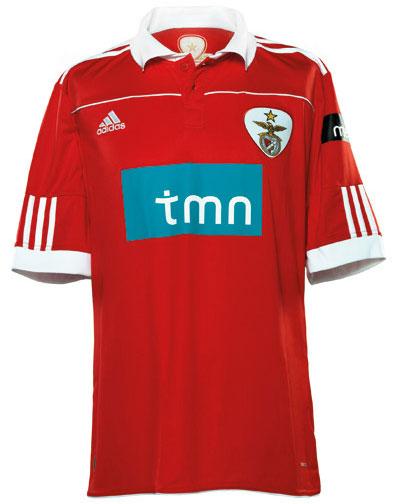 本菲卡2010-11赛季主场球衣 © kitstown.com 球衫堂