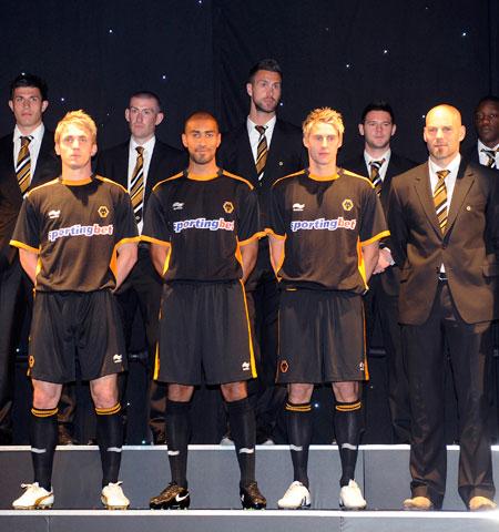 狼队2010-11赛季客场球衣 © kitstown.com 球衫堂