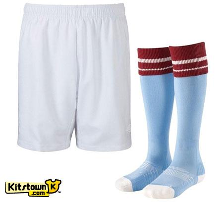 曼城2010-11赛季主场球衣 © kitstown.com 球衫堂
