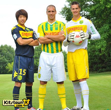 南特2010-11赛季主客场球衣 © kitstown.com 球衫堂