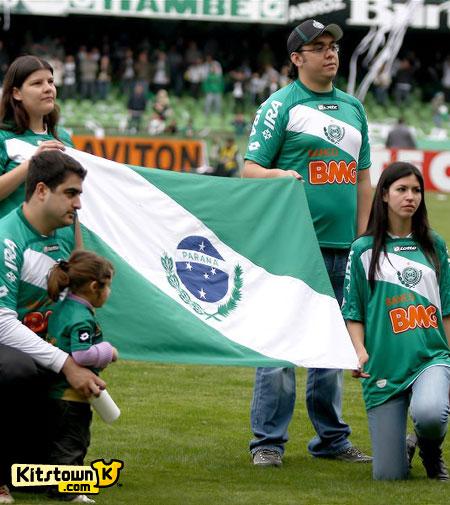 科里蒂巴2010赛季第二客场球衣 © kitstown.com 球衫堂
