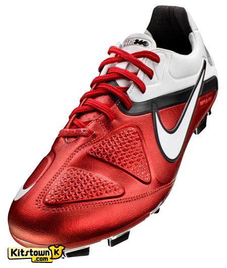 极致控球利器 Nike CTR360 MAESTRI II © kitstown.com 球衫堂