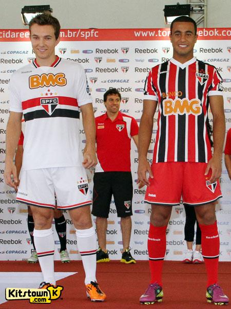 圣保罗2011赛季主客场球衣 © kitstown.com 球衫堂