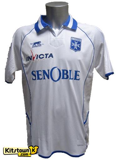 欧塞尔2011-12赛季主场球衣 © kitstown.com 球衫堂