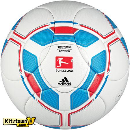 德甲联赛2011-12赛季官方比赛用球 © kitstown.com 球衫堂