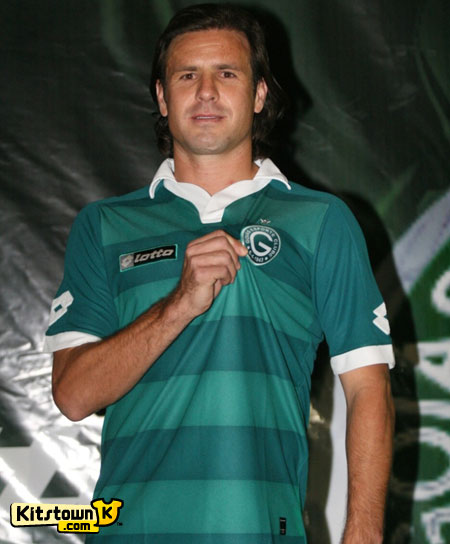 戈亚斯2011-12赛季主客场球衣 © kitstown.com 球衫堂
