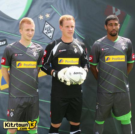 门兴格拉德巴赫2011-12赛季客场球衣 © kitstown.com 球衫堂