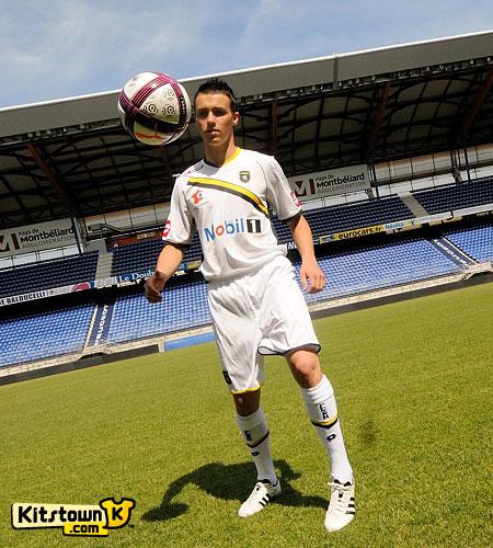 索肖2011-12赛季客场球衣 © kitstown.com 球衫堂