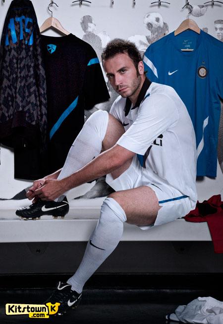 国际米兰2011-12赛季客场球衣 © kitstown.com 球衫堂