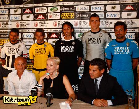锡耶纳2011-12赛季主客场球衣 © kitstown.com 球衫堂