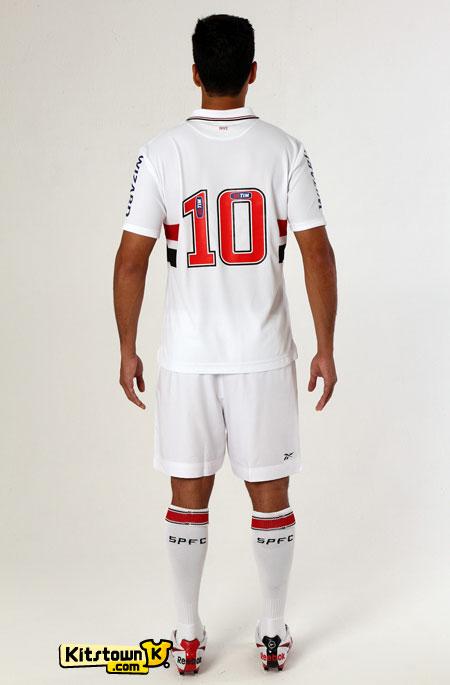 圣保罗2012赛季主场球衣 © kitstown.com 球衫堂