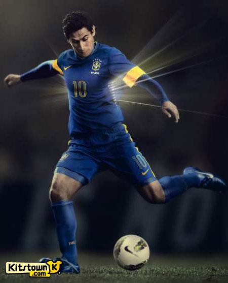 巴西国家队2012-13赛季客场球衣 © kitstown.com 球衫堂