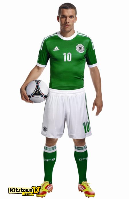 德国国家队2012-13赛季客场球衣 © kitstown.com 球衫堂