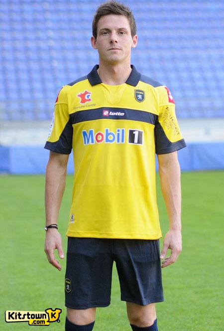 索肖2012-13赛季主场球衣 © kitstown.com 球衫堂
