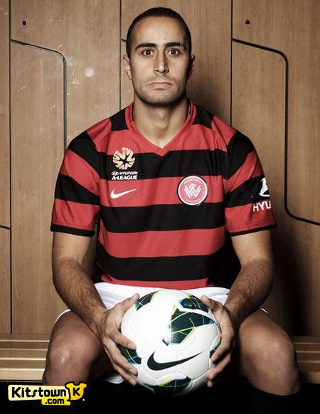 西悉尼流浪者队徽及2012-13赛季主场球衣 © kitstown.com 球衫堂