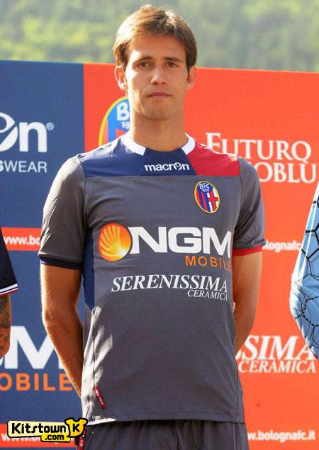 博洛尼亚2012-13赛季主客场球衣 © kitstown.com 球衫堂