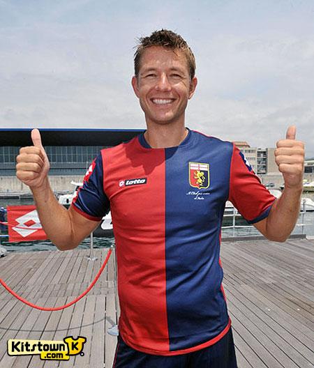 热那亚2012-13赛季主客场球衣 © kitstown.com 球衫堂