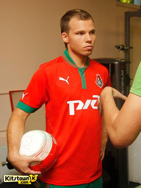 莫斯科火车头2012-13赛季主客场球衣 © kitstown.com 球衫堂