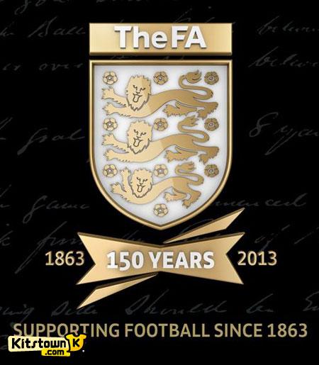 英格兰足总150周年纪念徽章 © kitstown.com 球衫堂