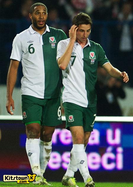 威尔士国家队2012-13赛季客场球衣 © kitstown.com 球衫堂