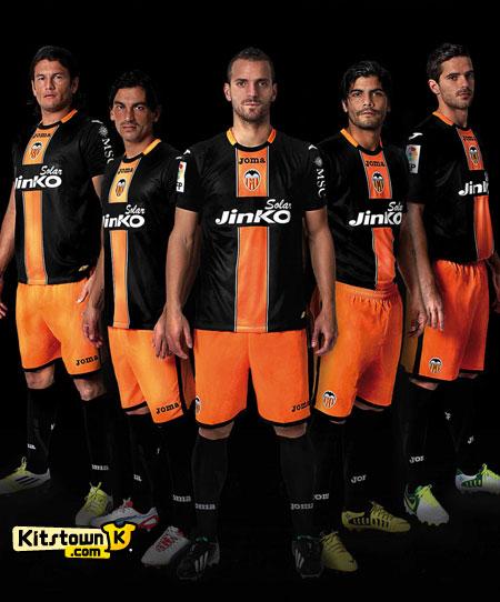 巴伦西亚2013年黑色客场球衣 © kitstown.com 球衫堂