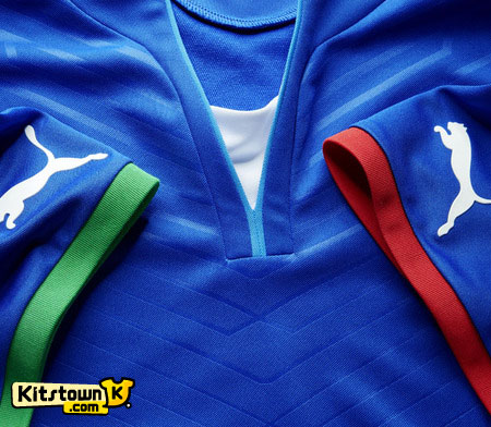 意大利国家队2013联合会杯主场球衣 © kitstown.com 球衫堂