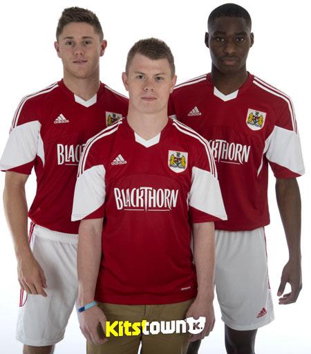 布里斯托尔城2013-14赛季主客场球衣 © kitstown.com 球衫堂