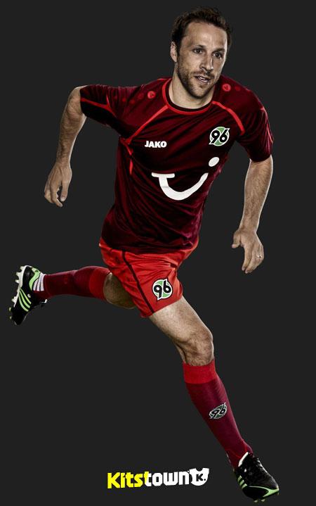 汉诺威96 2013-14赛季主客场球衣 © kitstown.com 球衫堂