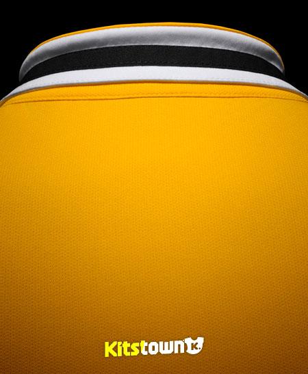 尤文图斯2013-14赛季客场球衣 © kitstown.com 球衫堂
