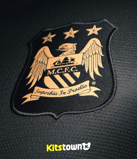 曼彻斯特城2013-14赛季客场球衣 © kitstown.com 球衫堂