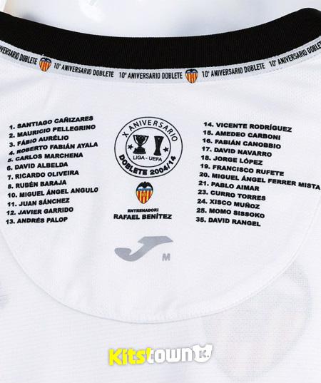 巴伦西亚2004双冠十周年纪念球衣 © kitstown.com 球衫堂