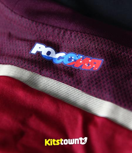 俄罗斯国家队2014世界杯主场球衣 © kitstown.com 球衫堂