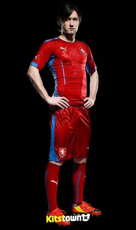 捷克国家队2014-15赛季主客场球衣 © kitstown.com 球衫堂