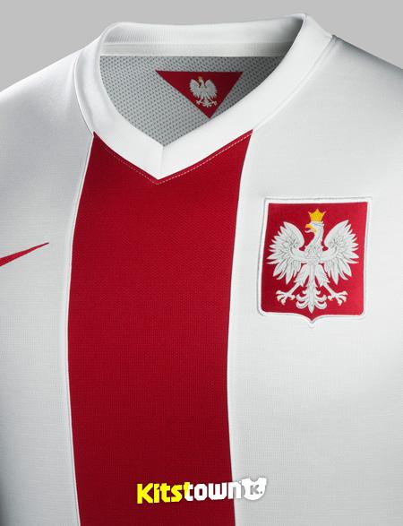 波兰国家队2014-15赛季主客场球衣 © kitstown.com 球衫堂