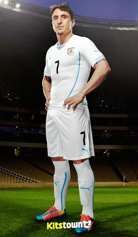 乌拉圭国家队2014世界杯主客场球衣 © kitstown.com 球衫堂
